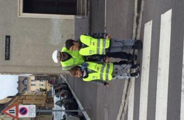 Verkehrserziehung - Wir überqueren die Straße